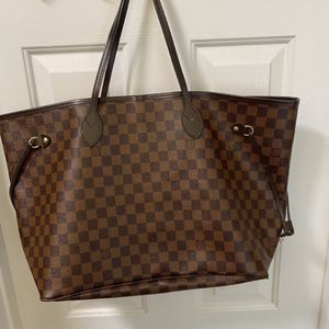 Neverfull GM Louis Vuitton - comes with small bag inside for Sale in Houston, TX