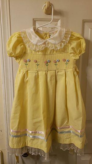 Pretty Yellow dress size 4 for Sale in Nashville, TN