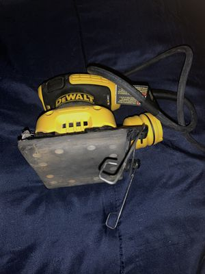 Dewalt sander is brand new we used it 2 times for Sale in The Bronx, NY