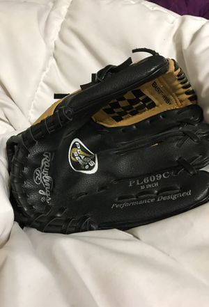 Youth 10 Inch Leather Rawlings Basket Web Baseball Glove for Sale in Fresno, CA