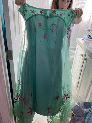 Disney princess costumes. Good for ages 8 to 10 for Sale in Las Vegas, NV