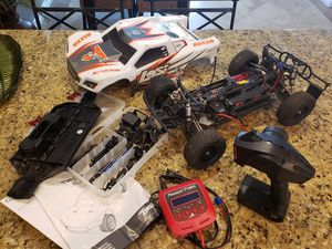 Losi 1/10 scale brushless 4wd for Sale in Wildomar, CA