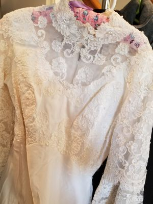 Wedding dress small for Sale in Gainesville, VA