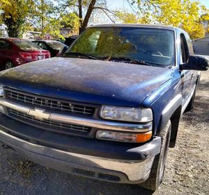 Parting out Chevy Silverado 2000 parts for Sale in Salt Lake City, UT