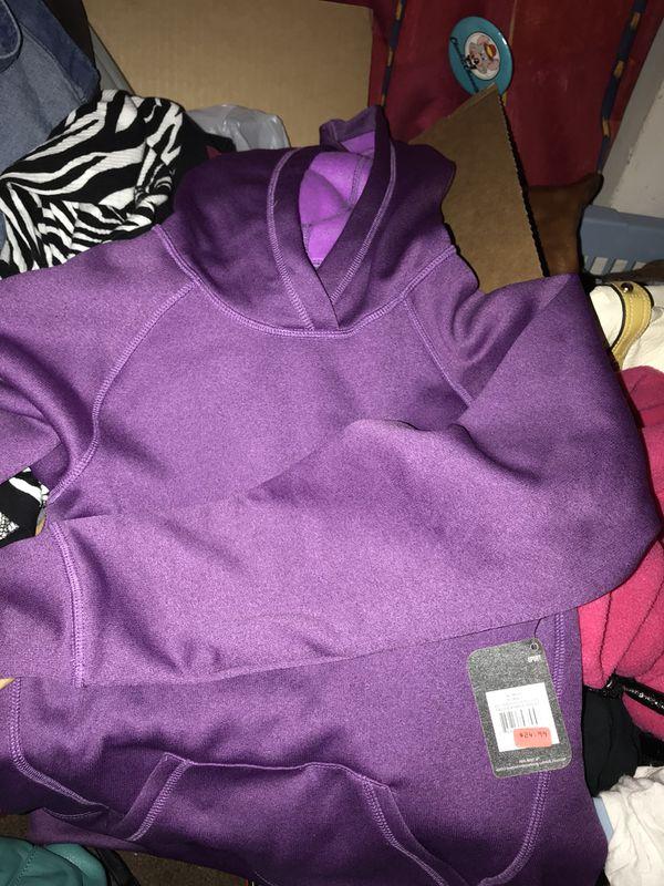 brand new reebok hoodie 💓