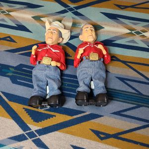 TWO GEORGE BUSH DOLLS POLITIXAL COLLECTABLES BATTERY OPERATED for Sale in Tacoma, WA