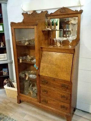 Vintage Secretary Desk/Hutch for Sale in Apopka, FL