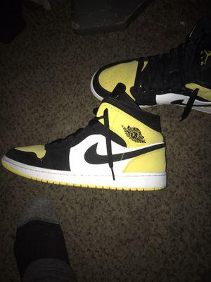 Brand new air Jordan 1's blk/yellow for Sale in Las Vegas, NV
