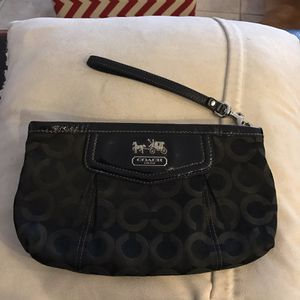 Coach purse / wristlet for Sale in Los Angeles, CA