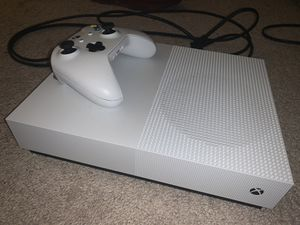 Xbox One S 1TB for Sale in Fort Washington, MD