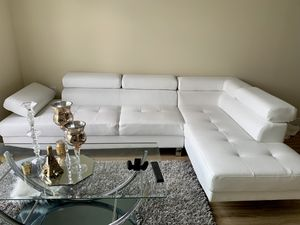 Patnaude modern sectional for Sale in Frederick, MD