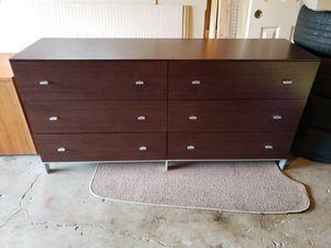 6 drawer dresser modern for Sale in Federal Way, WA