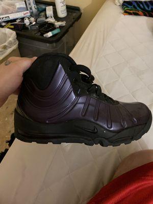 Men's Nike foam boots for Sale in Denton, MD