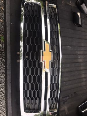 2015 Chevy Tahoe grill for Sale in Arrington, VA