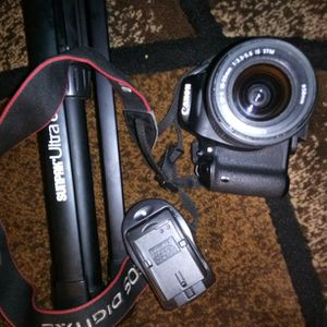 Canon Camera + SunPak Tripod for Sale in Highland, CA