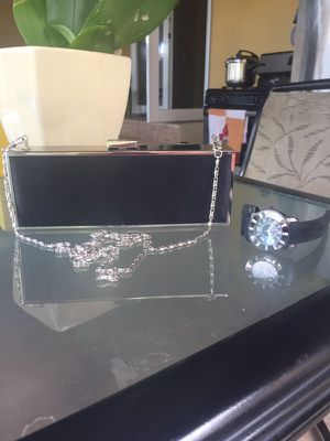 Cute black purse for Sale in Hialeah, FL