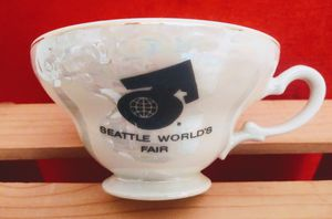 Vintage 1962 Seattle Worlds Fair Opalescent Tea Cup W/Sticker for Sale in Richland, WA