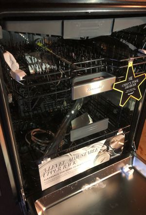 "Brand new Thermador dishwasher 24"" stainless pro series with hidden controls for Sale in Wayland, MA"