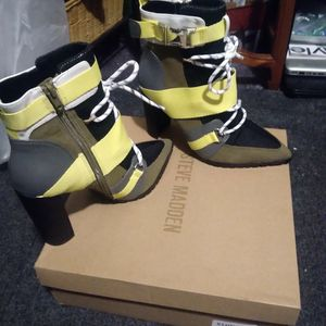 New* Never Worn Steve Madden Illusion High Heel Boots for Sale in Las Vegas, NV
