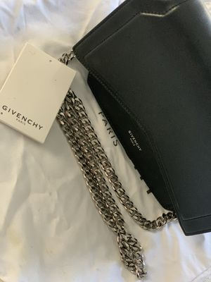 Givenchy Bow Cut Bag for Sale in West Bloomfield Township, MI