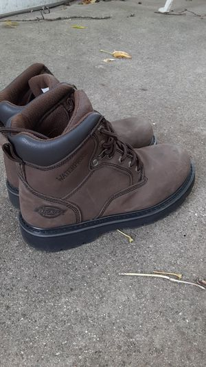 Men's Size 8.5 Dickie's Work Boots for Sale in Eastpointe, MI