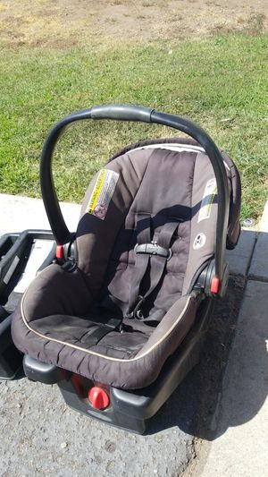 Snug Ride Carseat w/ 1 base for Sale in Yucaipa, CA