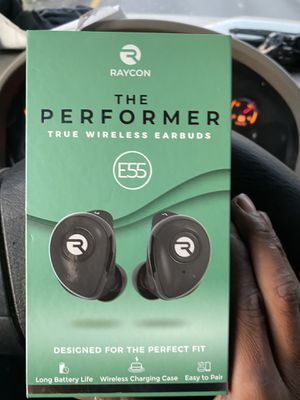 2 pair of raycon headphones for Sale in East Point, GA