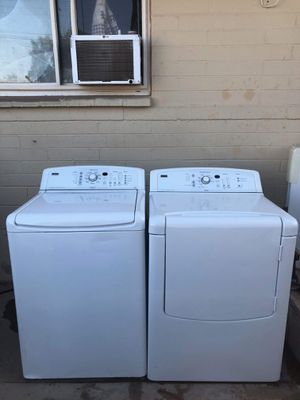 Beautiful Kenmore elite oasis electric washer and dryer for Sale in Peoria, AZ