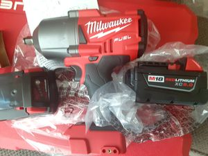 """MILWAUKEE FUEL M18 CORDLESS 1/2"""" HIGH TORQUE IMPACT WRENCH W/FRICTION RING CAT 2767 BRAND NEW PLUS 2 BATTERIES REDLITHIUM 5.0AH BRAND NEW for Sale in Chula Vista, CA"""