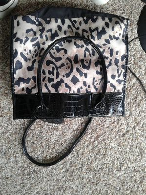 Ladies Nice and New lepard Bag / purse with extra leather travle size bag inside for Sale in San Diego, CA