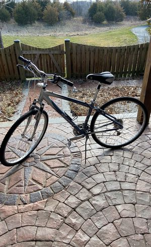 CYPRESS DX GIANT BIKE for Sale in South Riding, VA