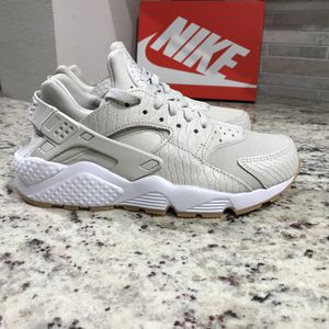 🆕 BRAND NEW Nike Air Huarache Shoes for Sale in Dallas, TX