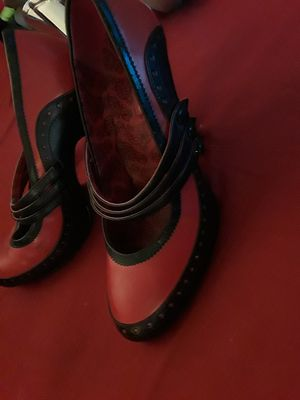 Red& black heels for Sale in Smyrna, TN
