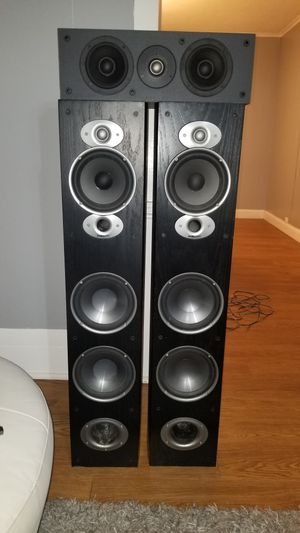 Polk audio rti A7 pair + free center channel for Sale in Lowell, MA