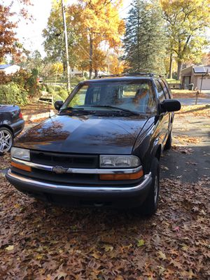 2000 Chevy Blazer 126,333 miles needs little work here n there, currently daily driven for Sale in Springfield, MA