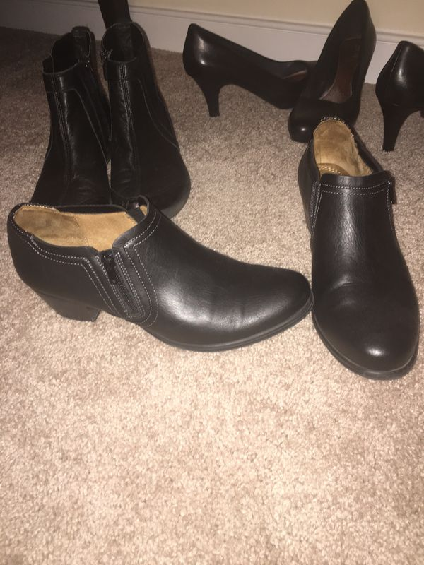 FREE (4) Pair Shoes Size 9.5. Pumps are Narrow