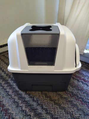 Catit litter box for Sale in Lewisburg, PA