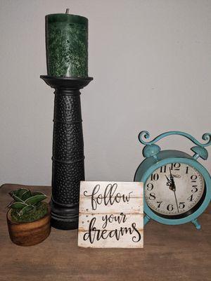 """Time to Dream"" Decor bundle for Sale in Orlando, FL"