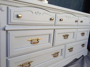 """8 Drawer Dresser / Tv cabinet / Entry Way.( Light Gray).Wide 64"""" Tall 31"""" D 18"""". GOOD CONDITION👍$$180 OBO Solid Wood. for Sale in Colton, CA"""