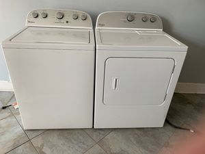 Matching set washer and dryer whirpool 2016 for Sale in Nashville, TN