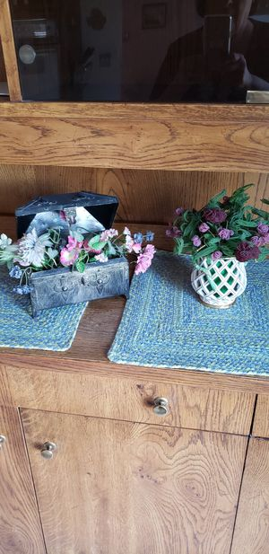 Decorative metal box with silk flowers and Collectable vase w handmade beaded flowers. for Sale in WILOUGHBY HLS, OH