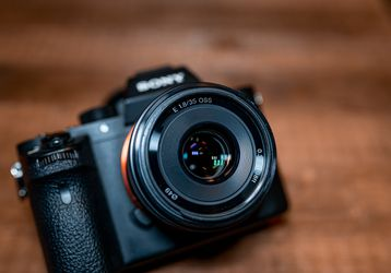 Sony A7sii Mirrorless Camera + 4 Batteries & more! for Sale in Portland,  OR