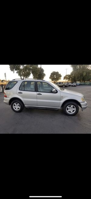 2000 ML320 for Sale in Stockton, CA