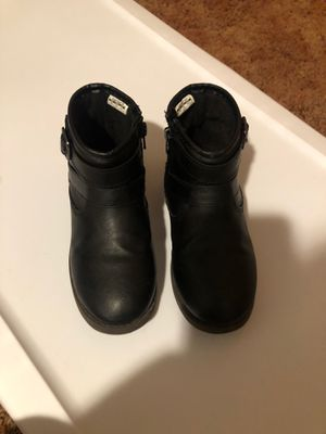 Carters ankle girl boots size 12 for Sale in Lynwood, CA