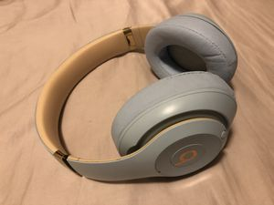 Beats studio 3 wireless headphones like new for Sale in Kent, WA