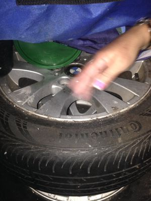 Bmw rims w tire for Sale in Miramar, FL
