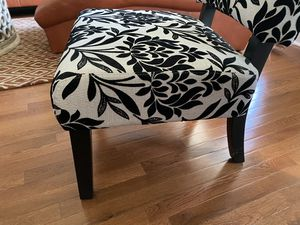 Accent chair for Sale in Midlothian, IL
