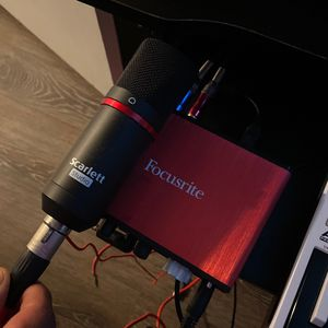 Focusrite Scarlet Solo Interface & Microphone for Sale in Grand Prairie, TX