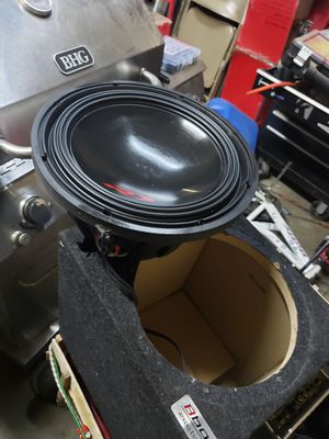 "ALPINE TYPE R 12""INCH DUAL 4 OHM WITH PORTED BOX AND 3000WATT 1OHM STABLE BOSS ARMOR AMPLIFIER for Sale in Ontario, CA"
