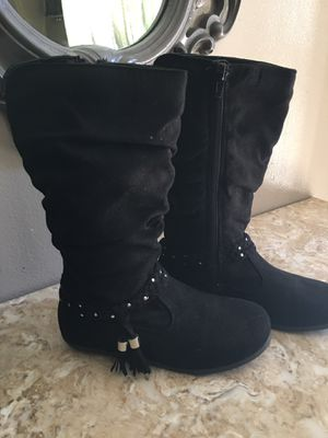 Girl boots size 1 new for Sale in Bassett, CA